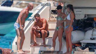 GALERÍA: Pincha sobre la galería para descubrir todas las imágenes de Zidane en Ibiza /Gtres