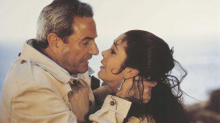 Isabel Pantoja y Arturo Fernández, en la película 'El día que nací yo' / Gtres.