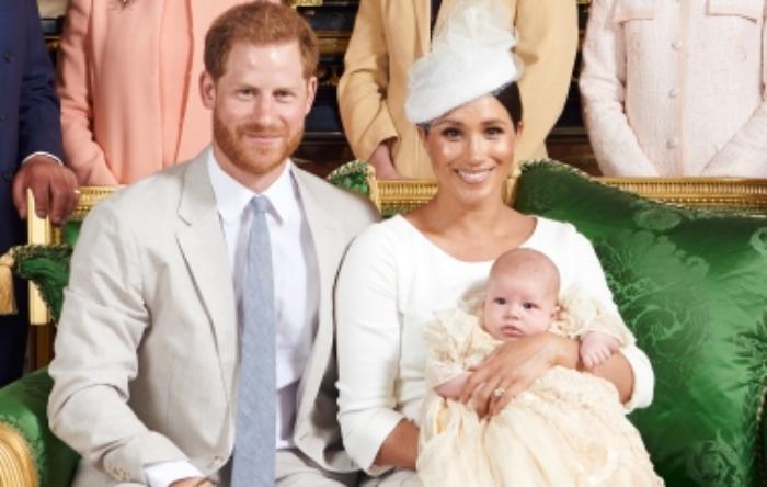 Critican a Meghan Markle por no saber cargar a su bebé