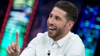Sergio Ramos y otros famosos se unen al reto viral de la botella/ Gtres