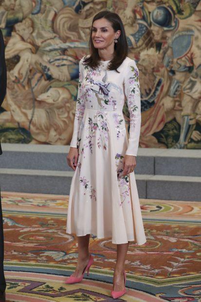 Matilde de Bélgica se inspira en Letizia para su último look