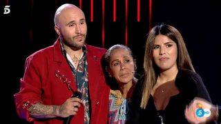Isabel Pantoja junto a sus hijos tras pedirles que se abrazasen / Mediaset
