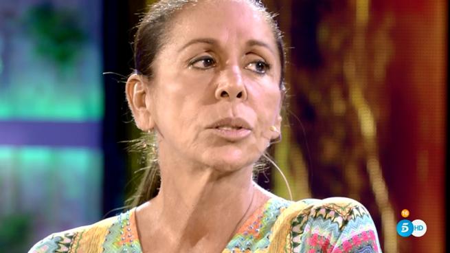 """Isabel Pantoja, más enigmática que nunca en su cara a cara con Jorge Javier Vázquez: """"Gracias a Dios se ha cogido a tiempo lo que tenía»"""