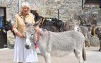Camilla Parker cambia a Carlos por un burro en el día de su cumpleaños