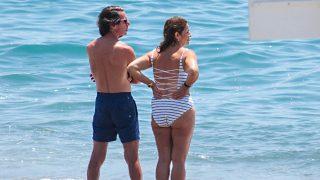 Bajo el sol y con sus nietos: así han vivido los Aznar su última victoria legal / Gtres
