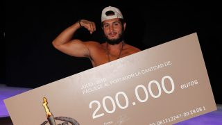 Omar Montes tras ganar el premio de 'Supervivientes' / Gtres