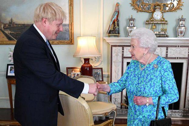 La razón por la que el rey Felipe y la reina Letizia dan ejemplo al resto de 'royals'