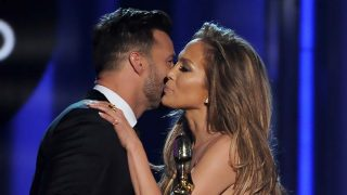 Jennifer Lopez y Ricky Martin en los premios Billboard 2014 / Gtres