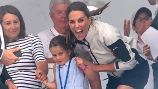GALERÍA: El feo gesto de Charlotte de Cambridge que ha puesto en vergüenza a Kate Middleton / Gtres