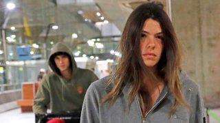 Galería: el preocupante rostro de Laura Matamoros a su llegada a Madrid / Gtres