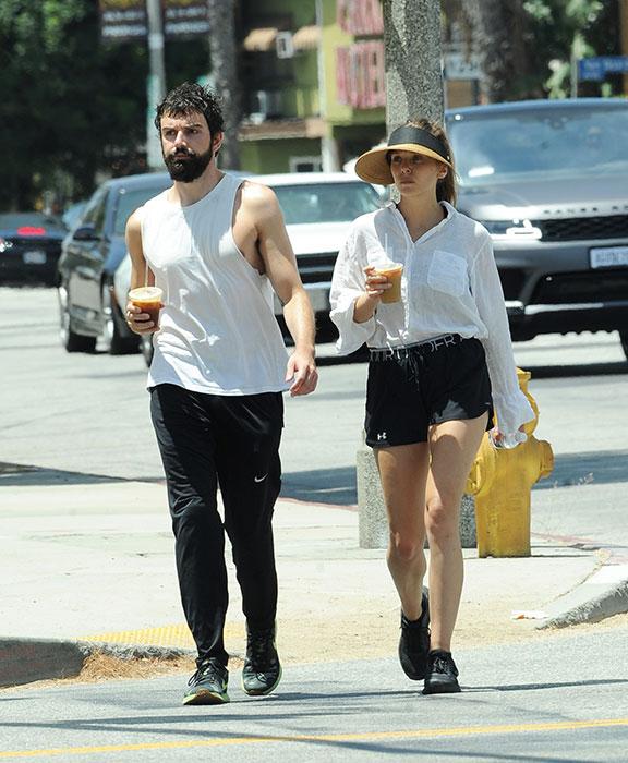 Elizabeth Olsen y Robbie Arnett