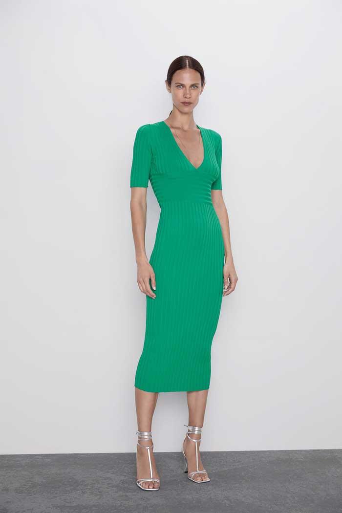 Vestido verde de Zara de punto en canalé