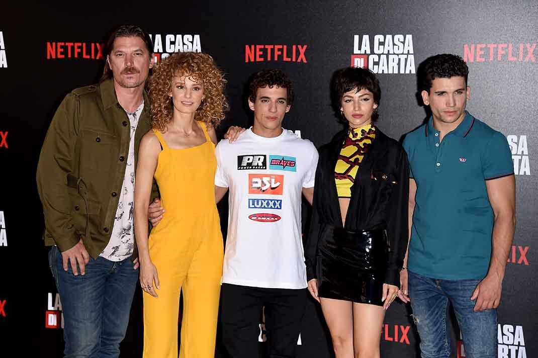Ursula Corbero, Esther Acebo, Luka Peros, Miguel Herrán y Jaime Lorente durante la última promoción de 'La casa de papel' / GTRES