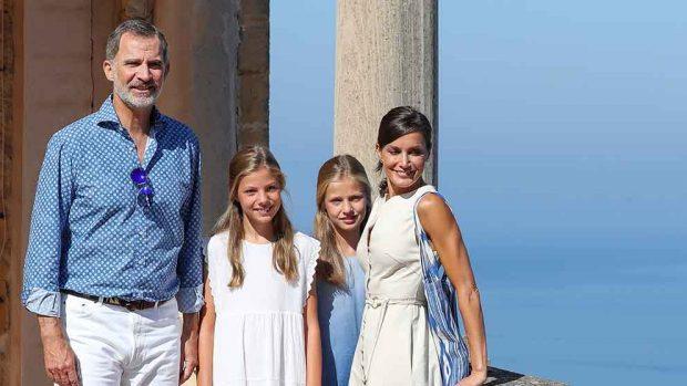Rey Felipe, reina Letizia, la princesa de Asturias Leonor y la infanta Sofía / Gtres.
