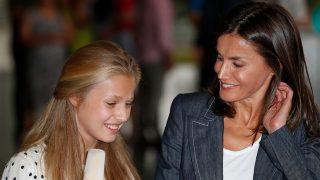 La visita de la reina Letizia y la princesa Leonor al rey Juan Carlos / Gtres