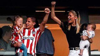 Galería: Carla Pereyra celebra la victoria del Atleti junto a sus hijos / Gtres