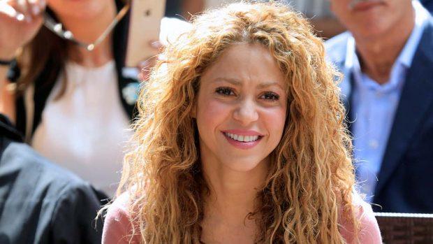 Shakira reconoce que lo suyo con Piqué no es convencional