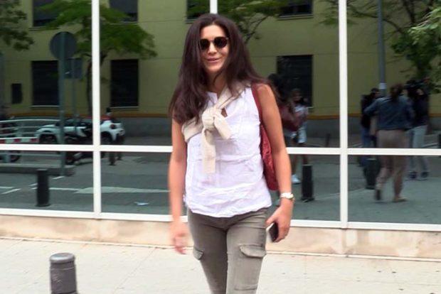 Bárbara Mirjan a las puertas del hospital donde está ingresado /Gtres