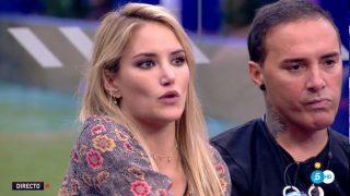 Alba Carrillo, molesta al ver las fotos  de la boda de su ex, Feliciano López./Mediaset