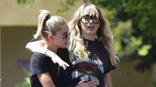 Miley Cyrus y Kaitlyn Carter en una imagen de archivo / GTRES