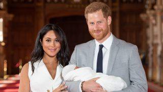 Los duques de Sussex durante la presentación de su hijo a los medios / Gtres