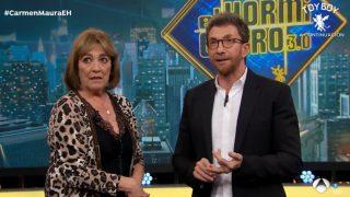 Carmen Maura junto con Pablo Motos en el programa 'El Hormiguero'. / Atresmedia
