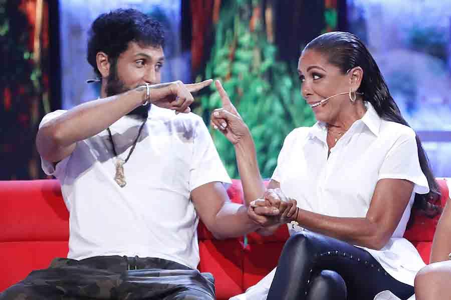 Omar Montes e Isabel Pantoja en una imagen que demuestra su buena relación / GTRES