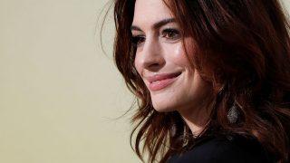 GALERÍA: Anne Hathaway es una de las estrellas que ha brillado con sus looks premamá. / Gtres