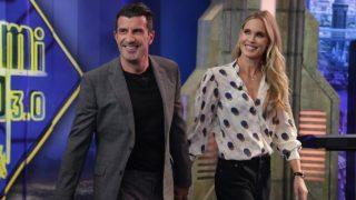 El matrimonio, Luis Figo y Helene Svedin, entrando en el programa de Pablo Motos. / Atresmedia
