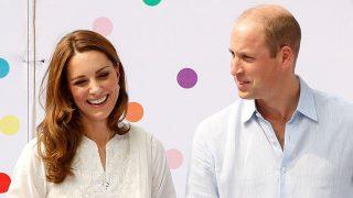 Duques de Cambridge, Kate Middleton y el Príncipe Guillermo, en Pakistán. / Gtres