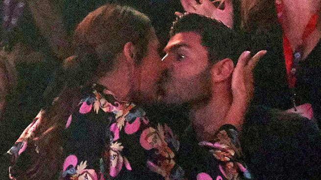 El beso más cariñoso de Paula Echevarría y Miguel Torres
