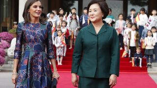 Doña Letizia junto a la primera dama coreana Kim Jung-Sook/Gtres