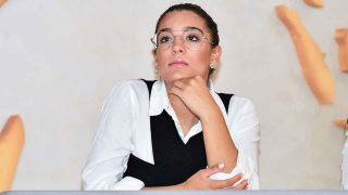 Alma Cortés Bollo ejerciendo de jurado de un desfile de moda en Sevilla / GTRES