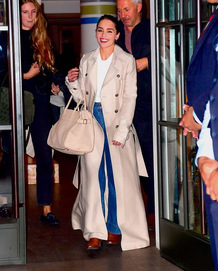 Emilia Clarke revela quién dejó vaso de Starbucks en GOT — Misterio resuelto
