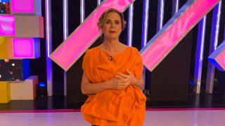 La diseñadora Ágatha Ruiz de la Prada en el programa de ToñI Moreno. / Telemadrid