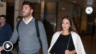 Paula Echevarría y Miguel Torres a su llegada a Madrid / Gtres