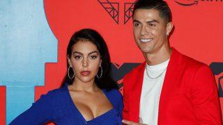 Georgina Rodriguez junto a Cristiano Ronaldo en el photocall de los premios MTV Ema en Sevilla/Gtres