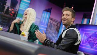 Los cantantes Pablo Alborán y Ava Max en el programa de Pablo Motos. / Atresmedis