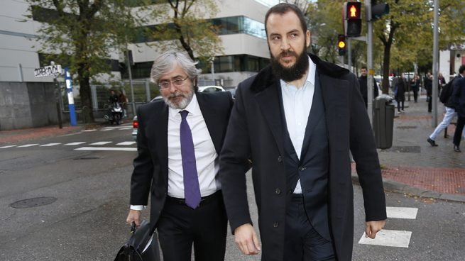 Borja Thyssen llega al juzgado para sentarse en el banquillo de los acusados