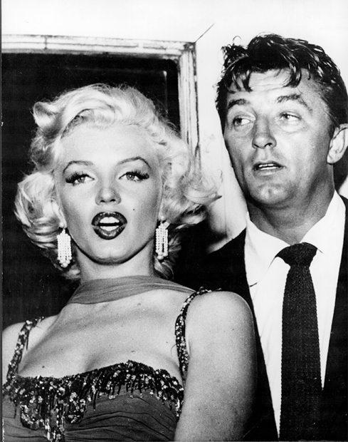 Marilyn Monroe y Robert Mitchum