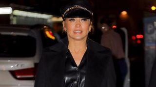 El último look de Jennifer Lopez es de lo más cañero / Gtres