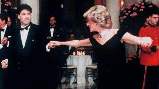 Diana de Gales bailando con John Travolta, en 1985 / Gtres