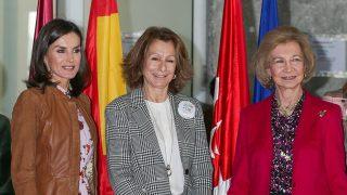 Doña Letizia y doña Sofía en el Rastrillo / Gtres