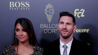 Antonella Roccuzzo y su esposo, Leo Messi, en la alfombra roja /Gtres