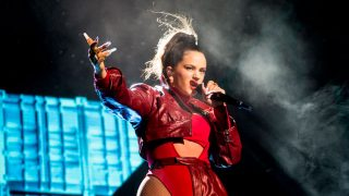Rosalía durante el concierto en el Palau Sant Jordi / Gtres