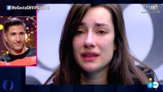 Adara Molinero, rota de dolor. /Mediaset