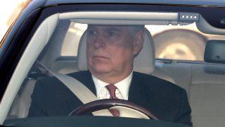 El príncipe Andrés a su llegada al Palacio de Buckingham / Gtres