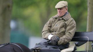 El duque de Edimburgo, marido de la reina Isabel II, ingresado en el hospital (Foto: Gtres)