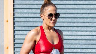 La cantante Jennifer Lopez a la salida del gimnasio. / Gtres