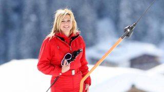 Máxima de Holanda y su look de nieve. Total red y con el estilo que le caracteriza, dejó claro que es una de las mejor vestidas, dando igual cuál sea la pasarela /Gtres
